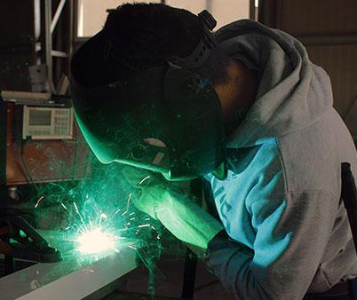 Souder soudage soudeur GMAW base joints Pavillon-de-l'Avenir Centre de formation professionnelle Service aux entreprises formation Initation au soudage Rivière-du-Loup