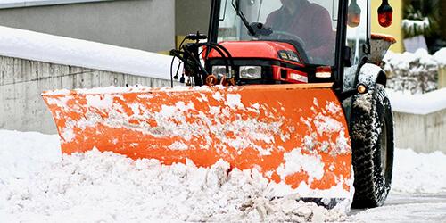 Formation opérateur opératrice de déneigeuse tracteur à neige chasse-neige conduite maniement manœuvre Rivière-du-Loup Kamouraska Service aux entreprises Pavillon-de-l'Avenir RDL BSL Bas-Saint-Laurent KRTB